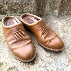 ROCKY camel leather western mules